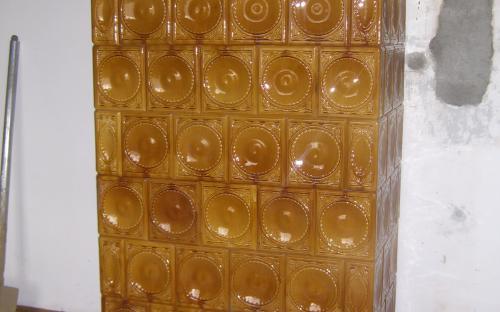 esztergomi mézsárga cserépkályha