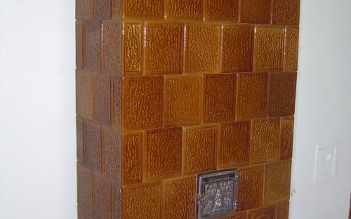 cserépkályha antik ajtóval