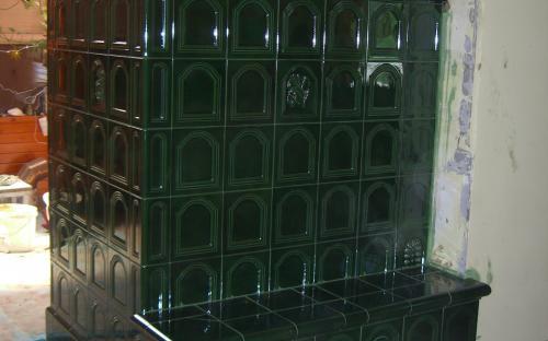 zöld nádasdi kapuscsempés cserépkályha